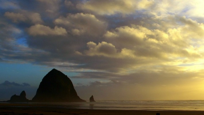 Cannon Beach Sunset (Image by Adam Sawyer)