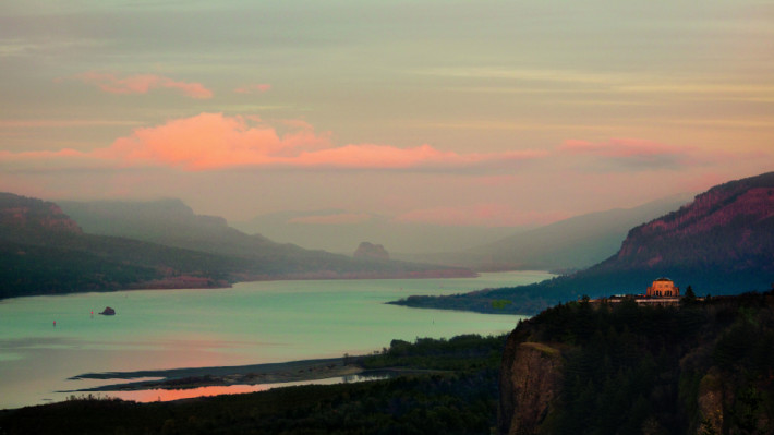 The Columbia River Gorge (Image by Chantal Anderson)
