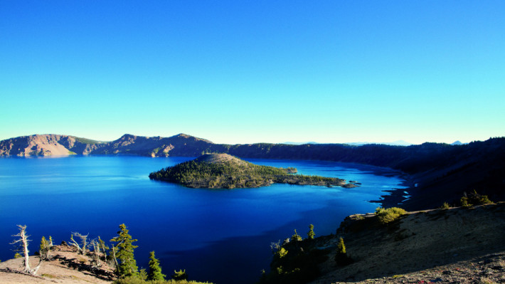 Crater Lake (Image by Kurt Hettle)